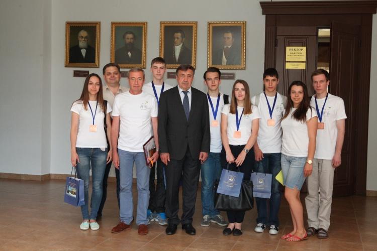 Нагородження переможців Міжнародного турніру юних фізиків