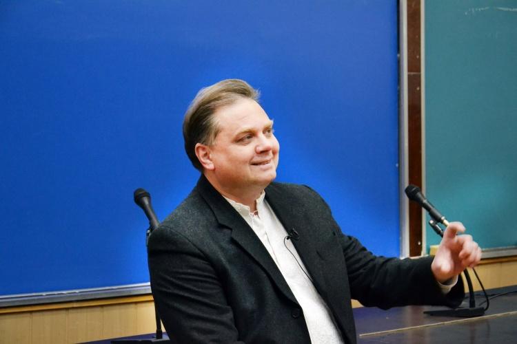 Звіт декана ФТФ професора І.Гірки