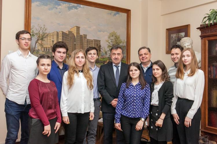 Зустріч ректора, академіка Віля Бакірова з учасниками турніру Sciteen-2019