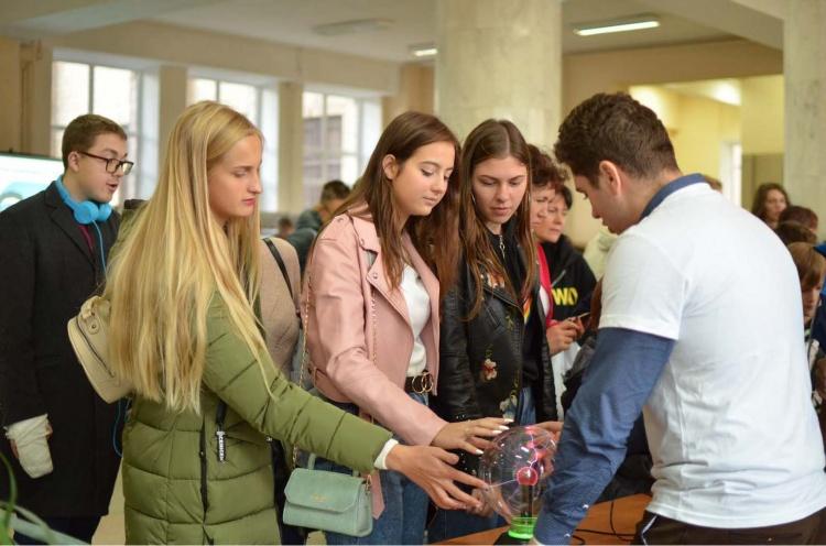 Фізико-технічний факультет взяв участь в акції «Ніч науки»