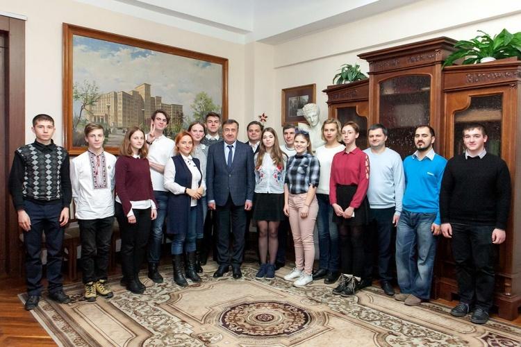 Зустріч ректора, академіка Віля Бакірова з рештою команд-переможниць турніру