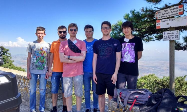 Студенти фізико-технічного факультету активно беруть участь у міжнародних наукових школах та їздять на стажування.