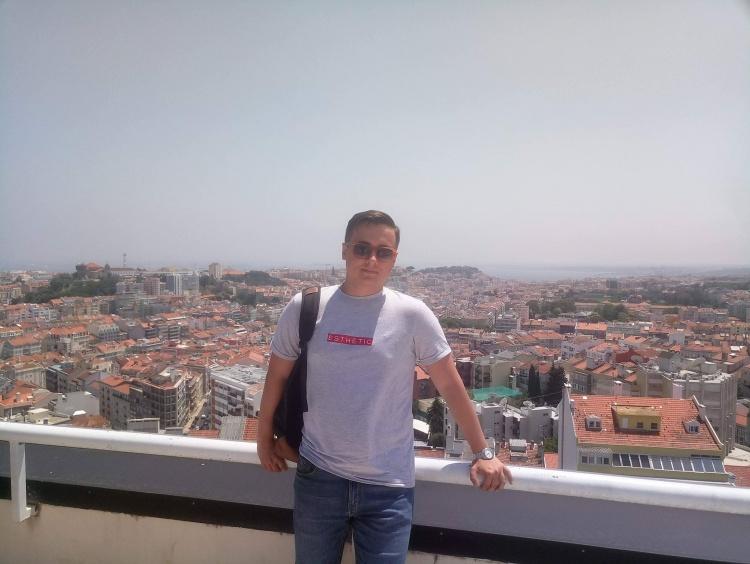 Артем Савченко браву часть у літній школі PlasmaSurf-2018 у Лісабоні, Португалія