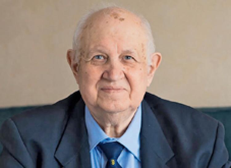 Вітаємо з днем народження почесного доктора Каразінського університету та випускника ядерного відділення університету, академіка Віктора Бар'яхтара