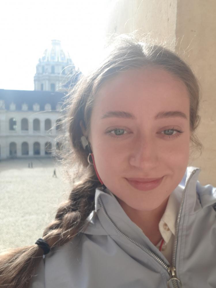 Єлизавета Єделькіна (група ТЯ-51 ФТФ) про стажування в місті Орсе, Франція